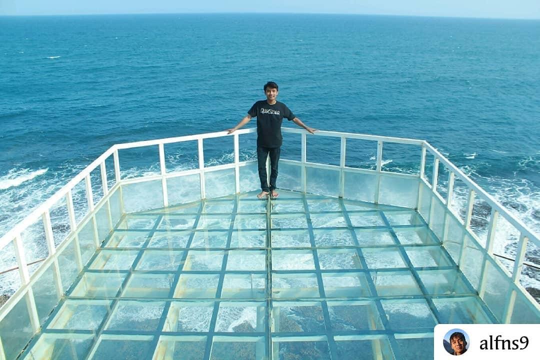 Selfie Menegangkan di Spot Teras Kaca Pantai Nguluran Gunung KidulYogyakarta