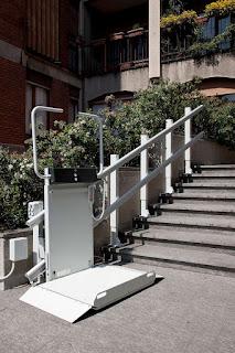 Tania platforma schodowa dla niepełnosprawnych model Logic