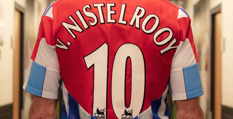 purchase cheap bce79 9c8d2 Van Nistelrooy Receives Spectacular Mashup Jersey Combining ...