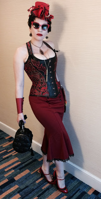 Gail Carriger in Red Steampunk Pin-Up At San Diego Comic Con 2017