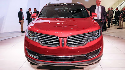 Lincoln MKX SUV front angle pictur