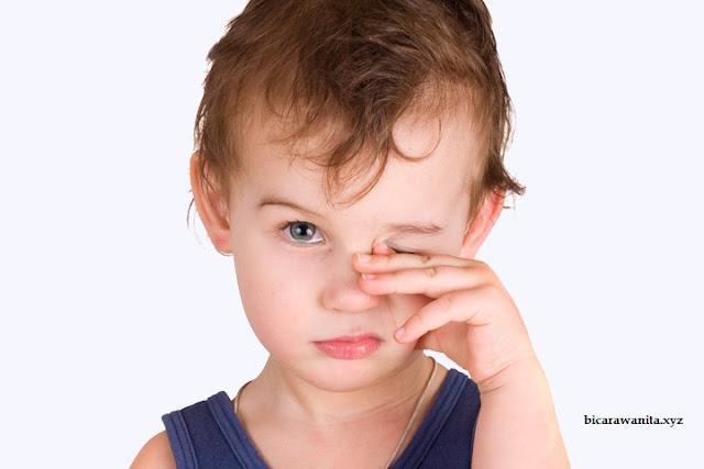 7 Cara Merawat Mata Anak dengan Baik