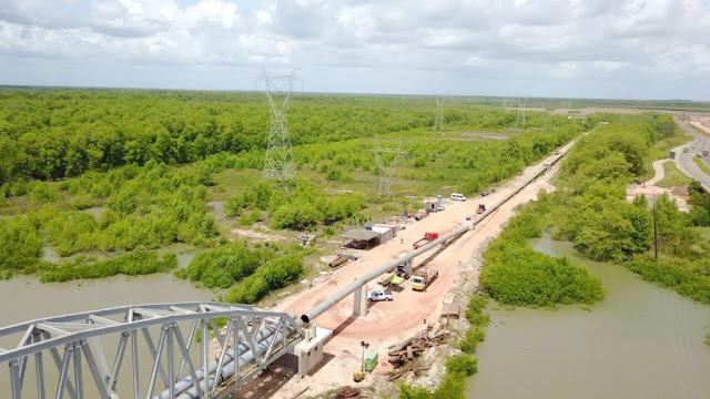 Nova adutora de Italuís tem ponte de 350 toneladas e troca de 20 km de tubulação