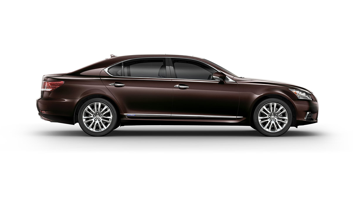 Đánh giá xe Lexus LS600h 2016