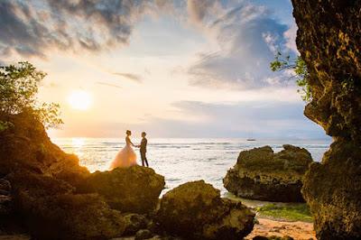 Trip-Wisata-Bali-Hemat-Pantai-Padang-Padang-Prewedding-Bali