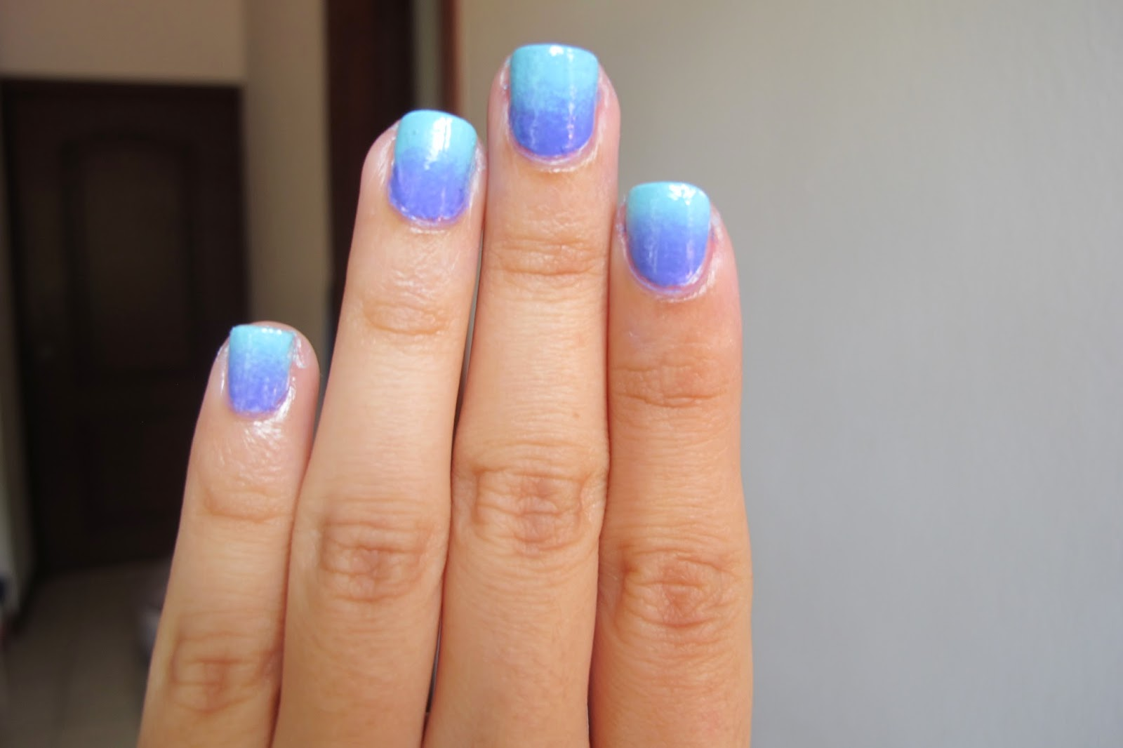 One Thousand Looks: MANI MONDAY: 2 COLOR OMBRE MANICURE