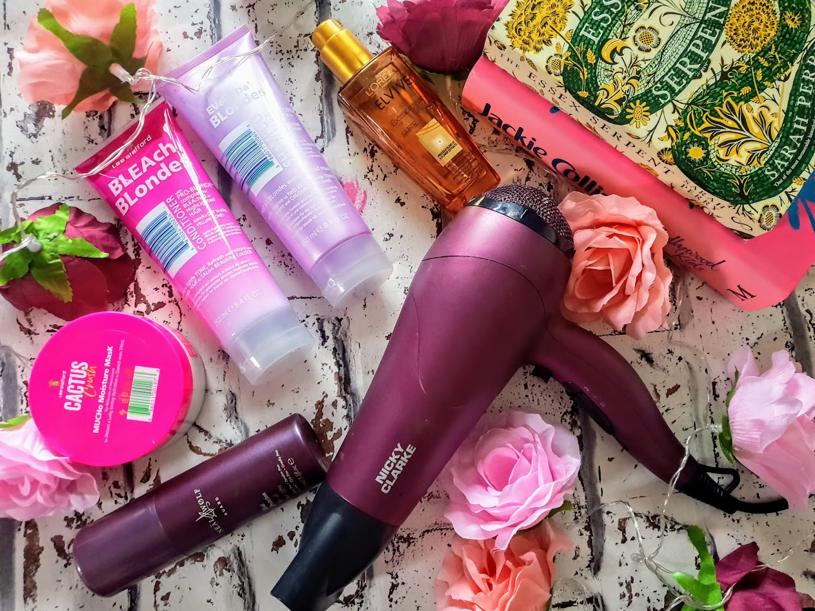 Hairdryer Tips and Tricks for Bleached Hair