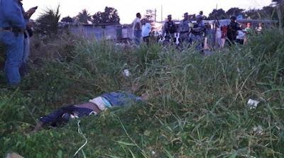 Niño encuentra el cuerpo de un hombre degollado en colonia de Veracruz