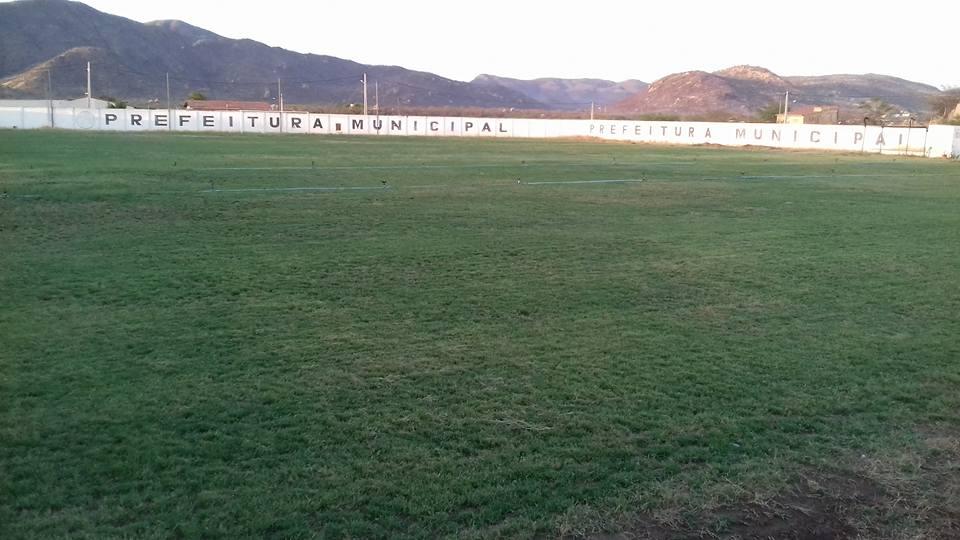 733d8a6c51 Gramado do Estádio Municipal José Henrique Dantas está idêntico desde  quando foi inaugurado