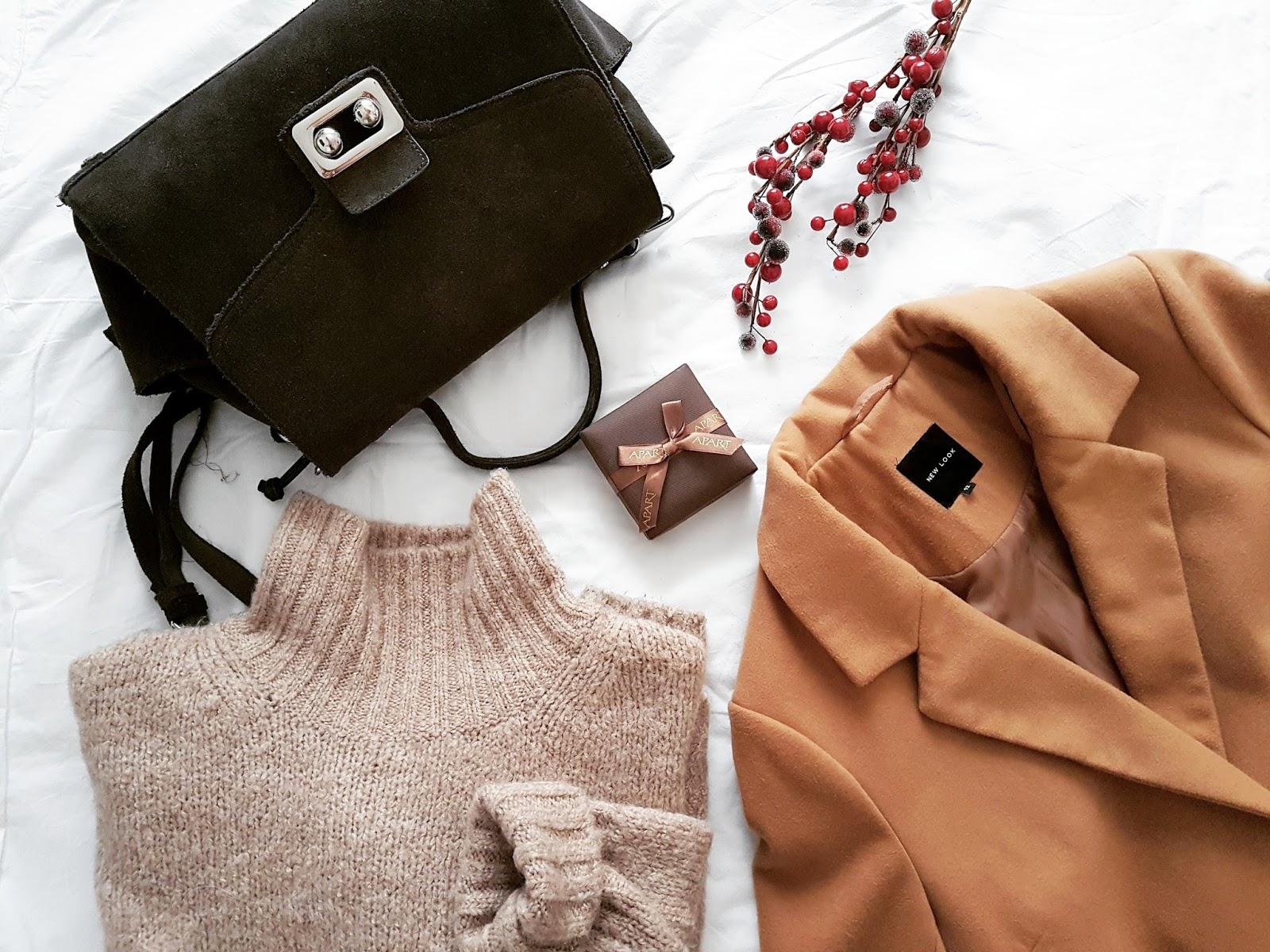Camel coat & pleated midi skirt czyli plisy i strój dnia