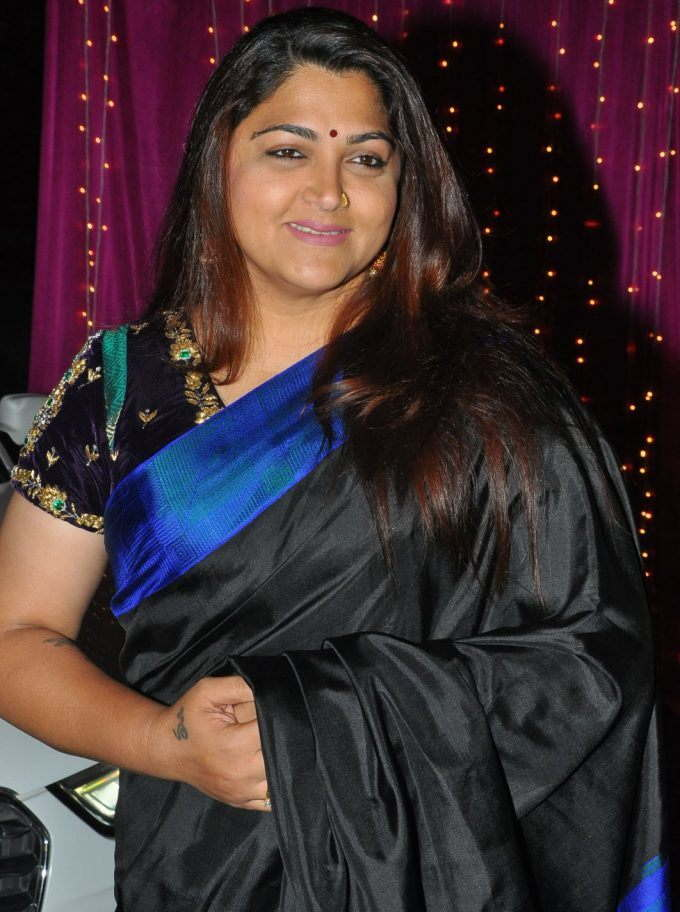 Kushboo At Zee Telugu Apsara Awards 2017 In Black Saree