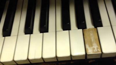 Những rủi ro gặp phải khi mua đàn piano điện cũ