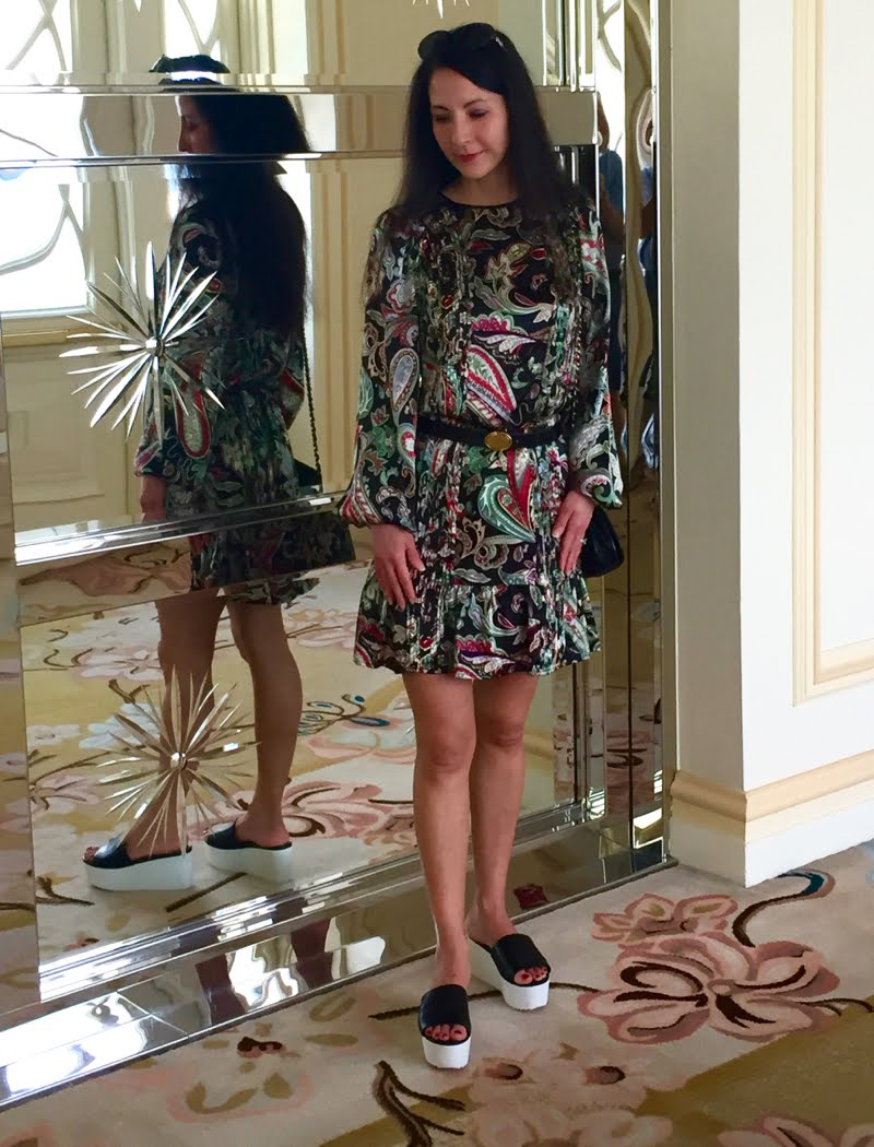 How to Style a Printed Dress for Day and Night - day look up close, body slightly turned.