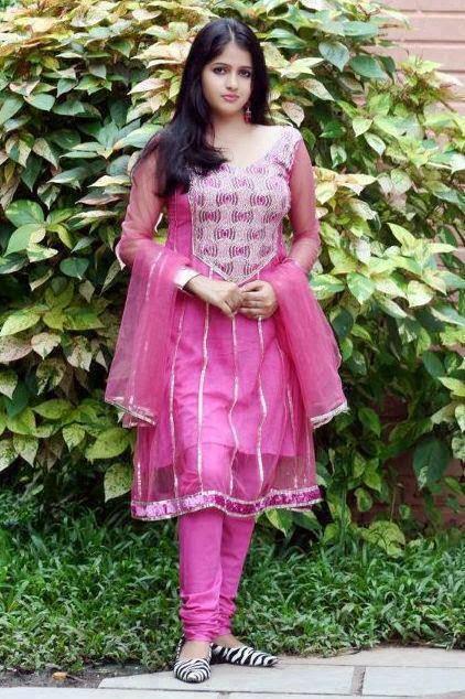 Simple Pakistani Girl Wallpaper New Hot Pics Pakistani Sari Info