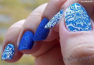 Uñas decoradas azul