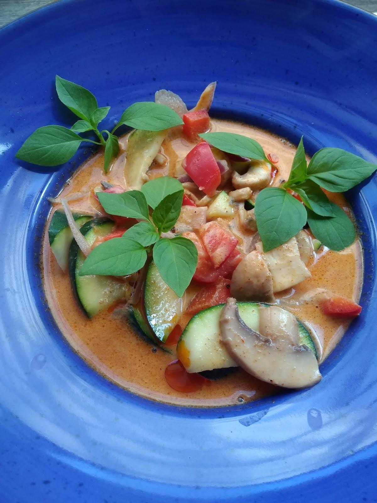 Czerwone curry z warzywami