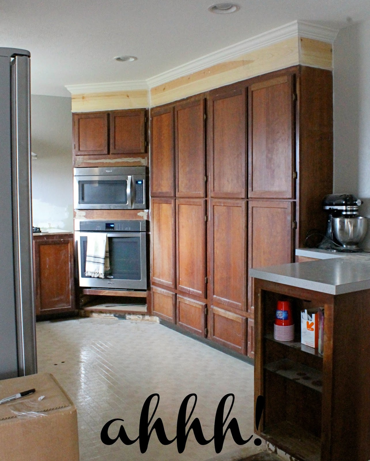 Material For Kitchen Cabinet: Wonderfully Made: Extending Kitchen Cabinets To The Ceiling