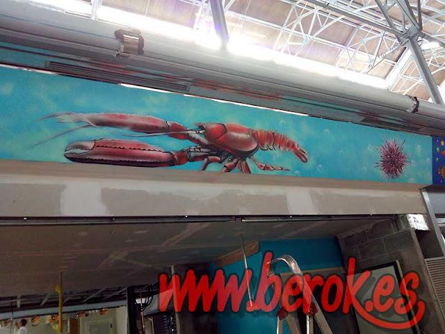 Graffiti de fondo marino pintado en La Medusa 73 del mercat el ninot
