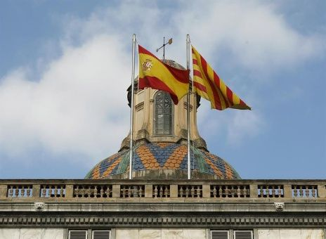 63 % de los españoles rechaza referendo independentista, según sondeo