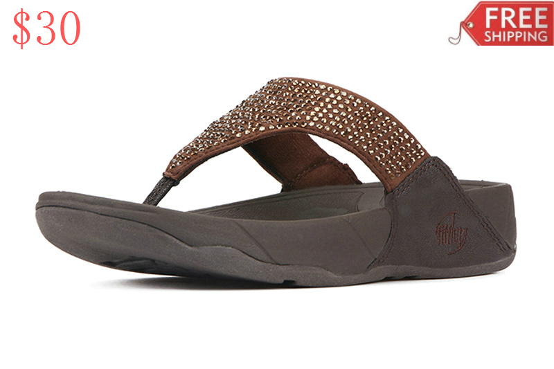 28df03a72746 Product USP   Award • This design according to a physiologist creates a  natural   roll   which provides more support than regular sandals. • FitFlop  claims ...