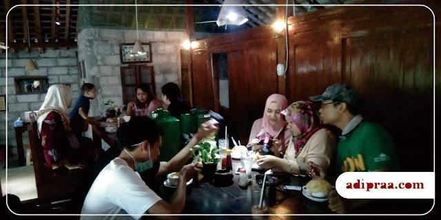 Inside Zefa Soup Limasan | adipraa.com