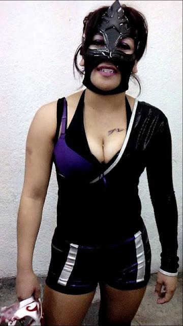 Luchadora Starfire