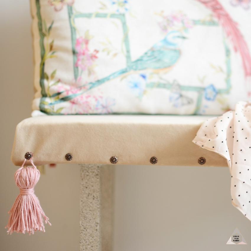 borla en banco tapizado diy