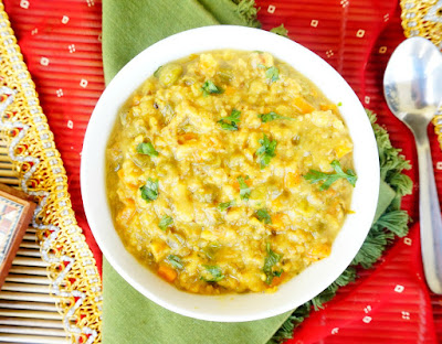 Masala Oats, Lentil oats porridge, Khichdi, healthy Indian recipe