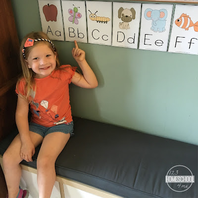 free printable alphabet wallcards