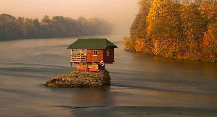 9. Drina River, Bajina Basta, Serbia - Top 10 Houses in the Middle of Nowhere