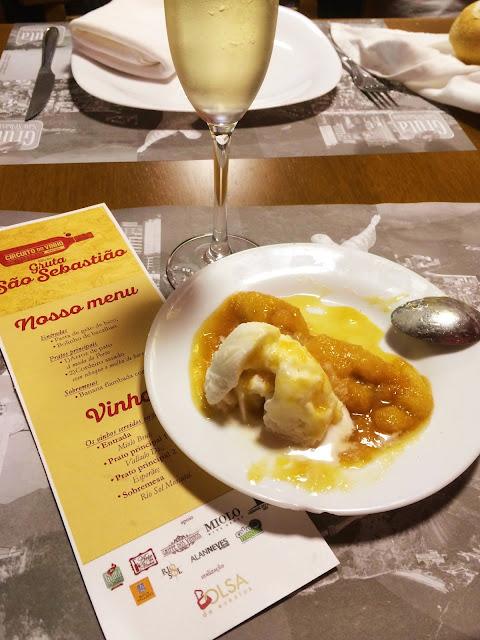 sobremesa banana flambada com sorvete e vinho Rio Sol Moscatel