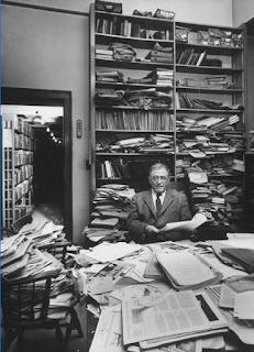 Harry Austryn Wolfson in de Widener Library te Harvard; foto: Dmitri Kessel 01-11-1957