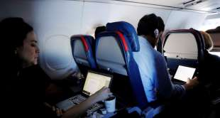 Laptop ban lifted for Abu Dhabi airline