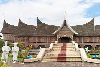 OBJEK WISATA MUSEUM ADITYAWARMAN KOTA PADANG SUMATERA BARAT (SUMBAR)