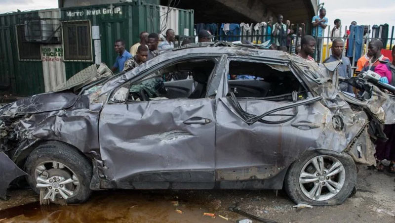 Robbers die minutes after snatching Rev. Father's car
