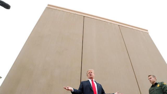 Mur de la honte et des enfants en cages  Le Trio Etats-Unis/Canada/Mexique. La Fifa semble devenir aveugle devant la situation inhumaine de la frontière Etats Unis/ Mexique-