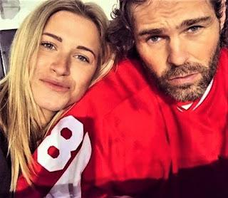 Jaromir Jagr's wife selfie instagram
