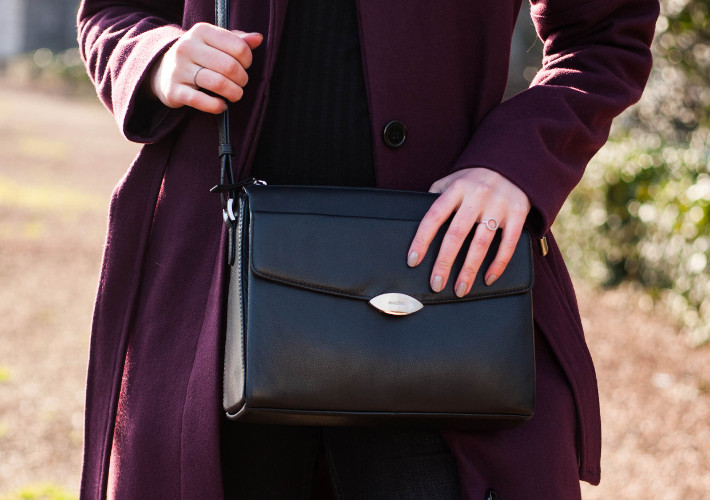 60s style Maestro handbag via Duifhuizen