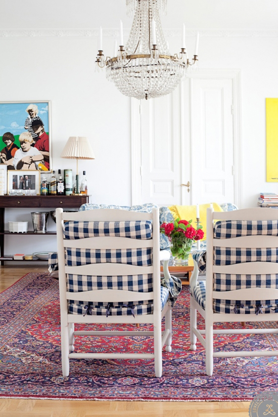 A house in Sweden decorated with bold patterns and color combinations via @lovelylifese
