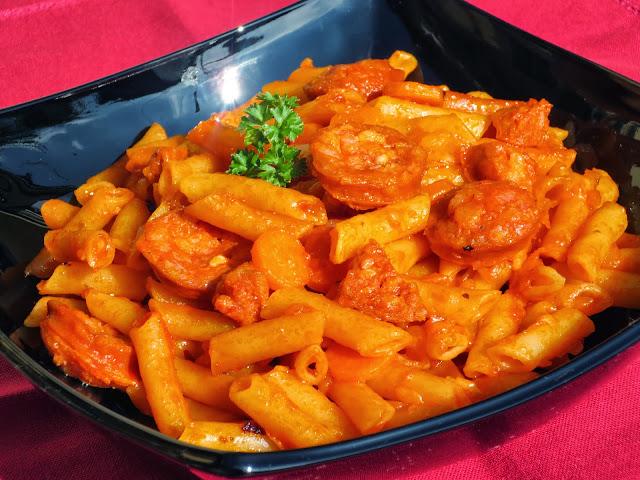 Macarrones con tomate y chorizo Ana Sevilla