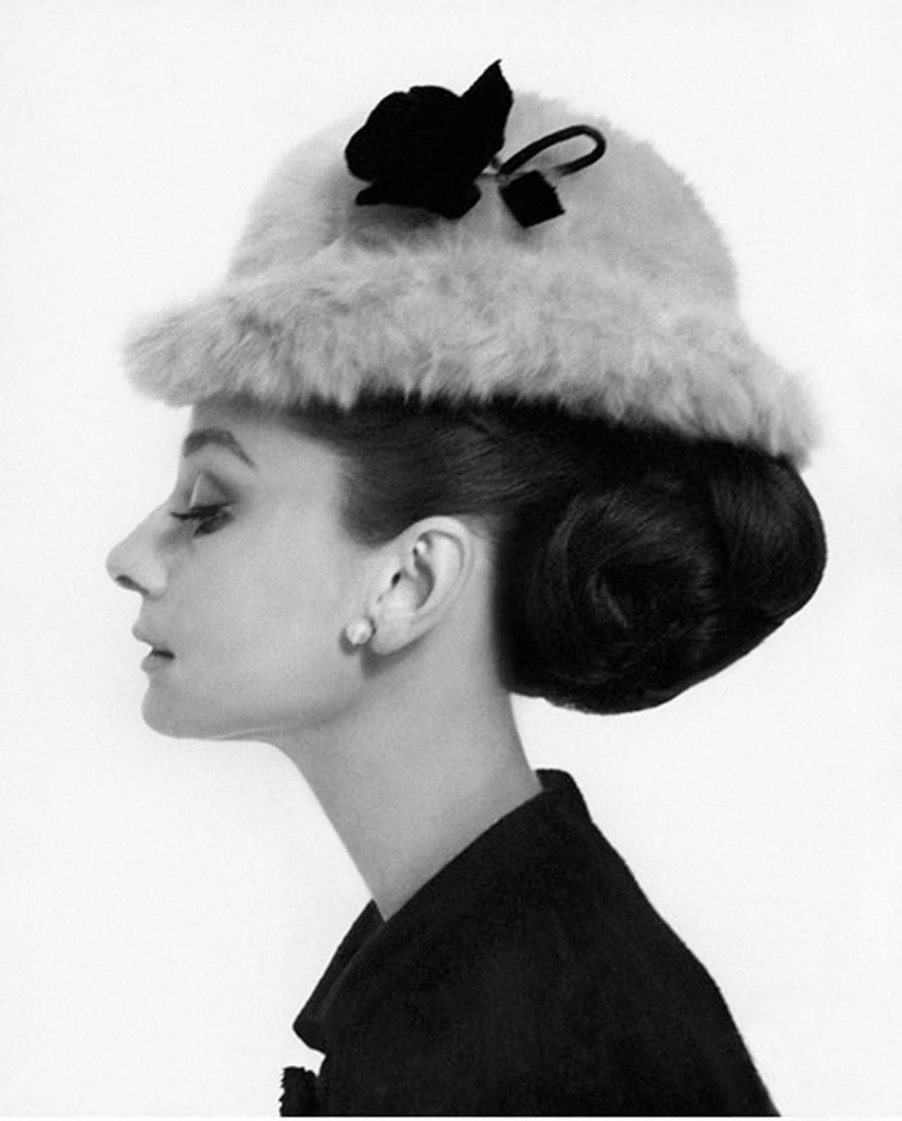 Girly Bedroom Audrey Hepburn Poster: The Style Files: Blair Inspired Room: Gossip Girl Decor