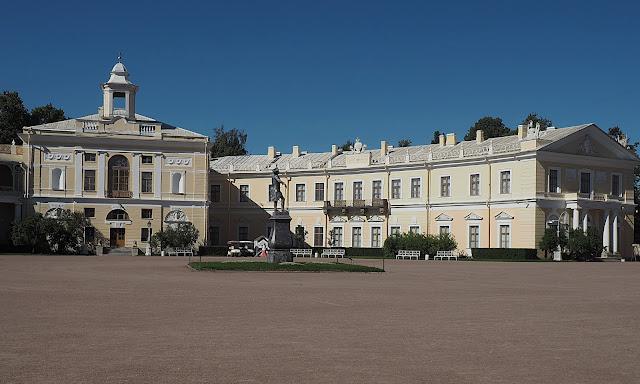 Павловский дворец (Pavlovsky Palace)