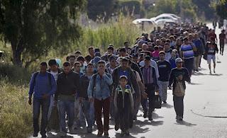 Σχέδιο ελληνοποιήσεων που αφορά δεκάδες χιλιάδες μετανάστες;