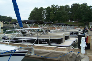 Should I Choose A Well Known Manufacturer of Pontoon Boats?