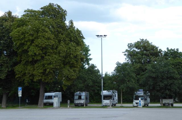 Naumburg, estacionament i pernocta a la seva àrea d'autocaravanes