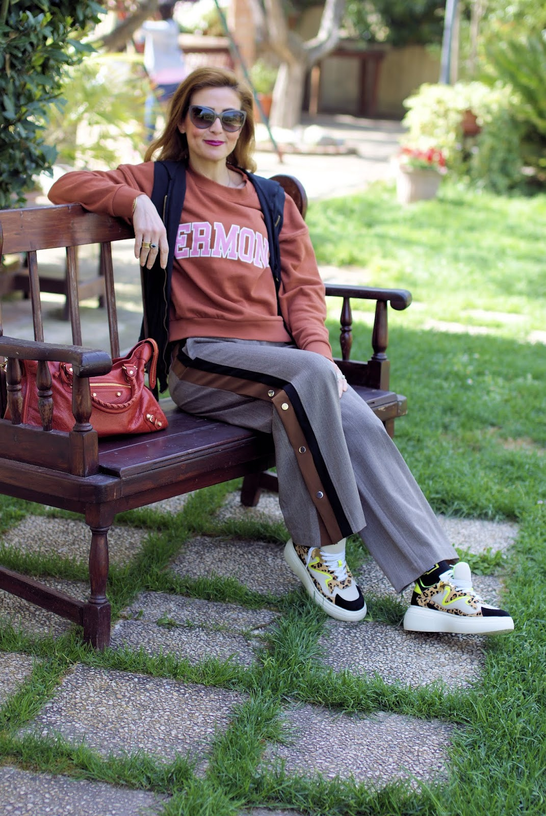 How to wear NUMPH button side pants: casual layered look on Fashion and Cookies fashion blog, fashion blogger style