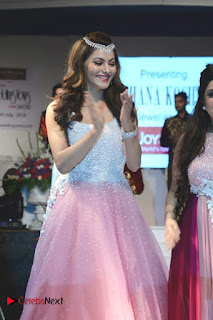 Urvashi Rautela Pictures at The Wedding Vows Fashion Show ~ Bollywood and South Indian Cinema Actress Exclusive Picture Galleries
