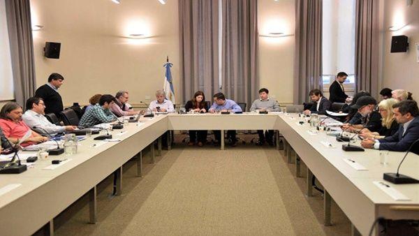 Argentina: Alcanzan acuerdo con profesores por aumento salarial