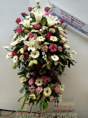 standing flower ucapan pernikahan