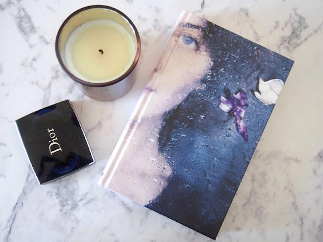 kniha sviečka víkend tamara tainová dior